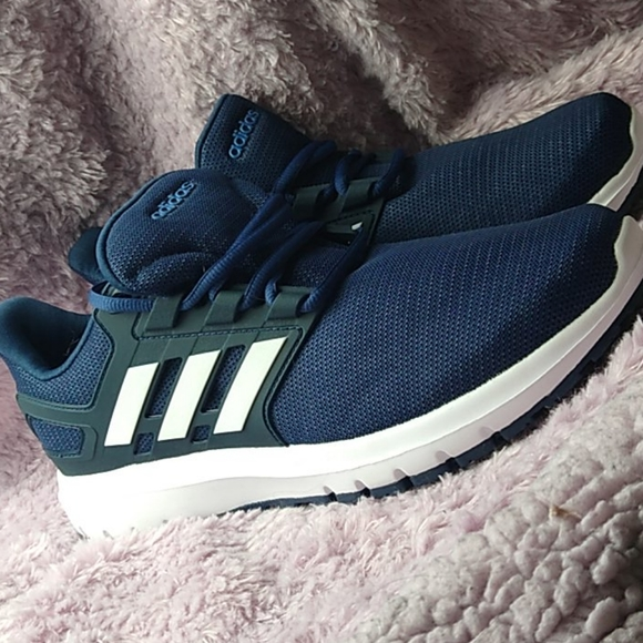 Men's Navy Blue and White Adidas cloudfoam shoes